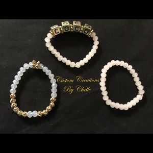 A bracelet that haves the name coco.